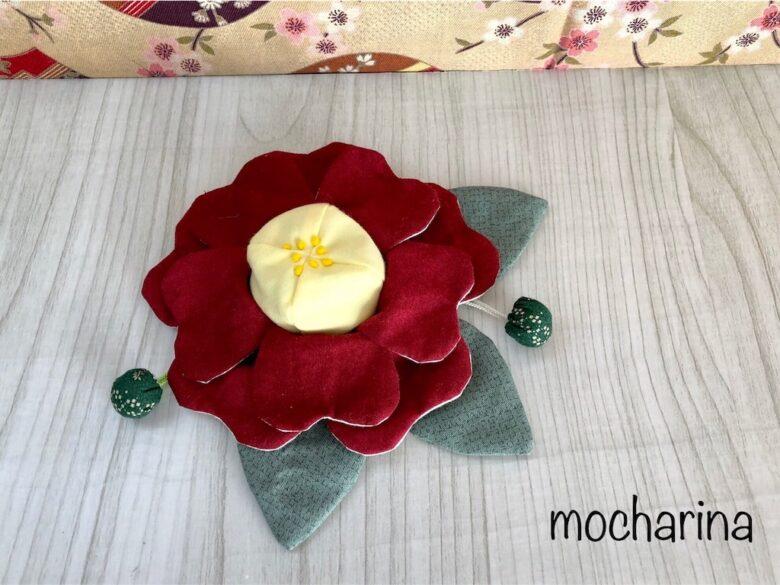 赤い花の椿の巾着袋の作成・「茶花の女王」椿の花言葉